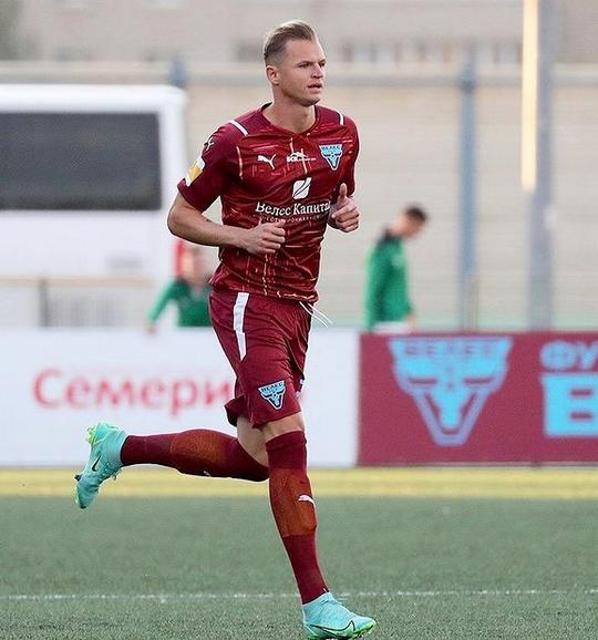 Тарасов уходит в декрет: футболист заявил о приостановке карьеры