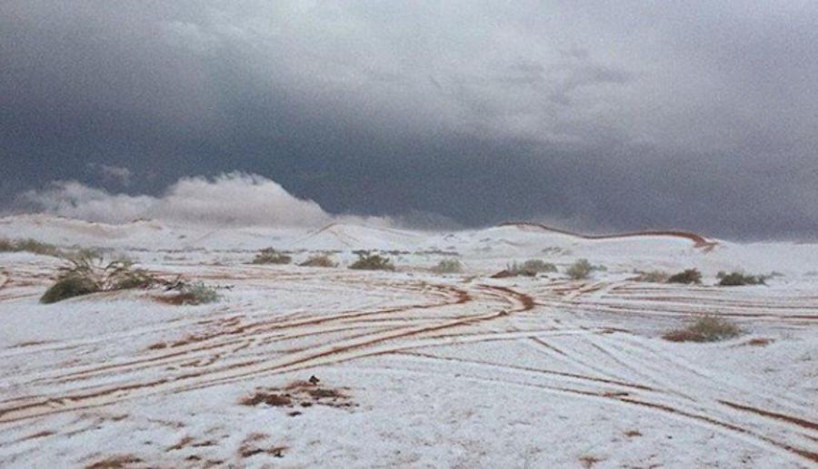 «Русская Ким Кардашьян» позирует в купальнике на фоне заснеженных гор