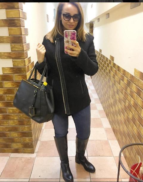 instagram.com/achekhova.
