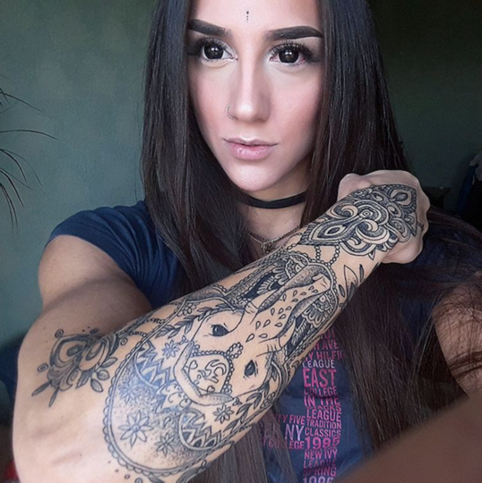 Instagram/bakharnabieva.