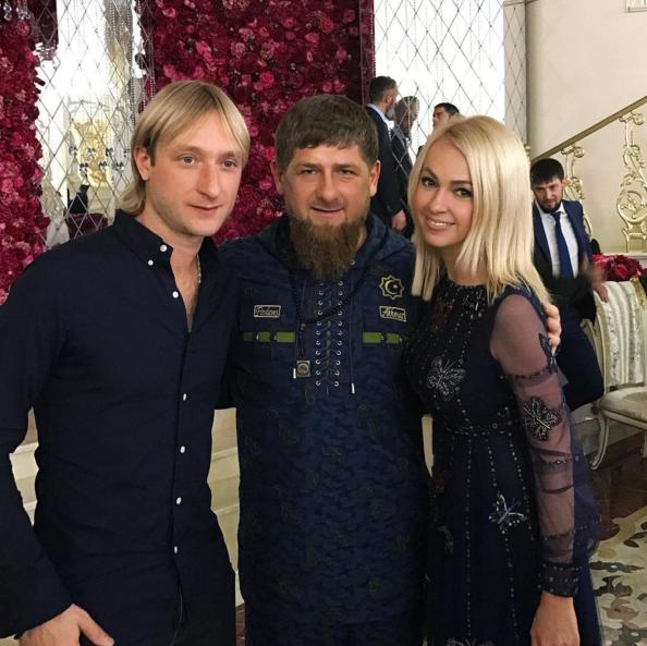 Instagram Плющенко.
