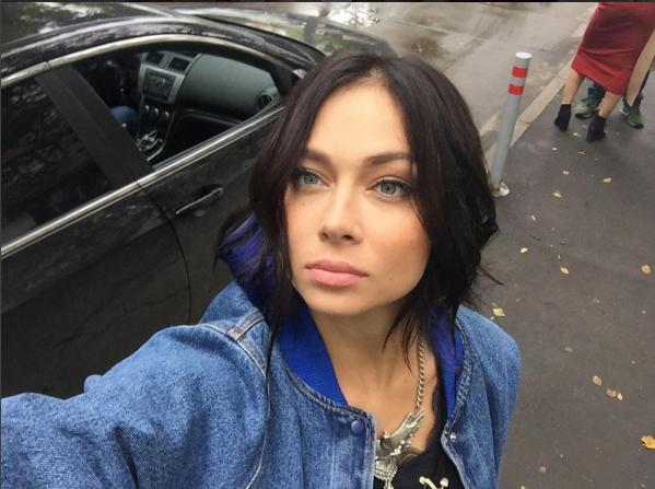 instagram.com/samburskay.