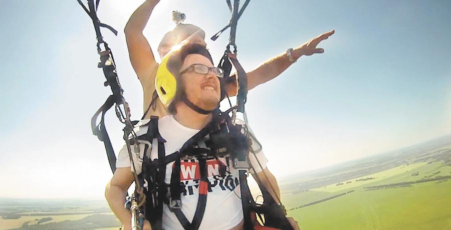 скриншот видеосюжета проекта «полёт» .