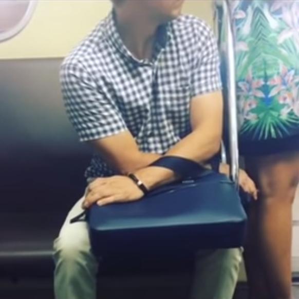 Ларису лапают в метро Вами
