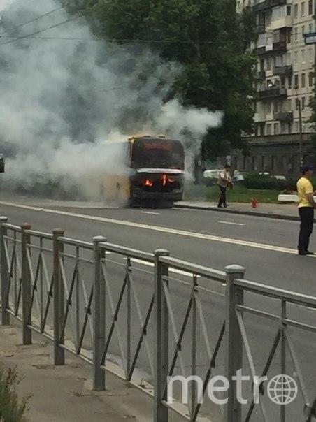 http://www.metronews.ru/novosti/avtobus-kotoryj-sgorel-v-peterburge-ehal-bez-passazhirov/Tpopgf---zL.