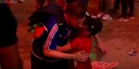 Видео, как португальский мальчик после финала Евро-2016 успокаивает француза, появилось в Сети