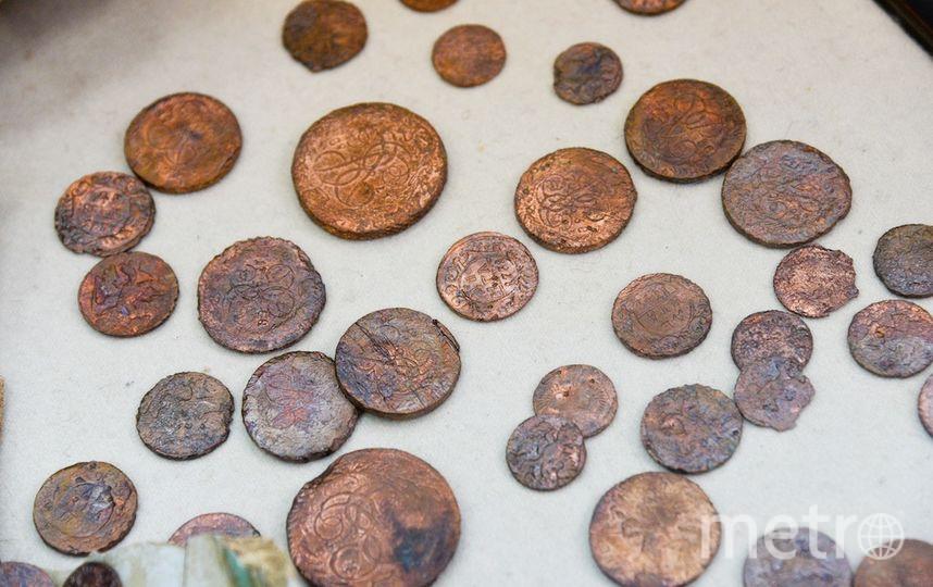 Медные монеты.