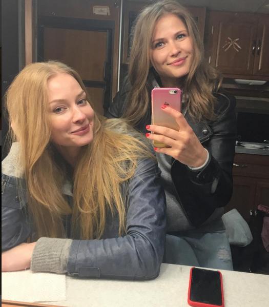 https://www.instagram.com/juliatopolnitskaya/.