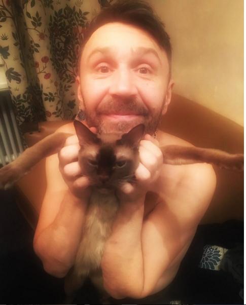 https://www.instagram.com/shnurovs/.