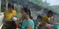 В Мьянме с помощью воды отпраздновали Новый год