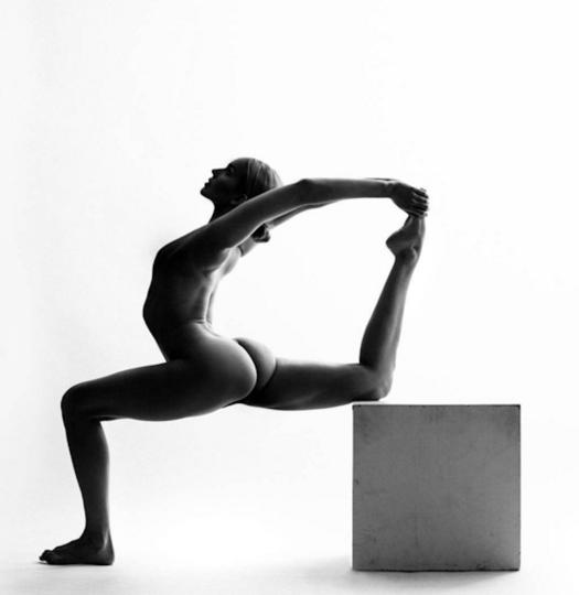 https://www.instagram.com/nude_yogagirl/.