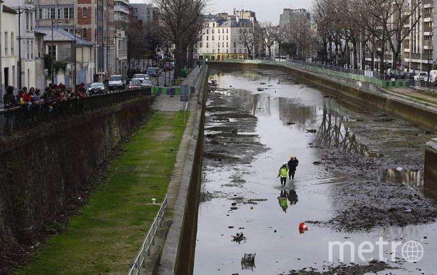 Картинки по запросу В Париже впервые за последние 15 лет, власти осушили знаменитый канал Сен-Мартен