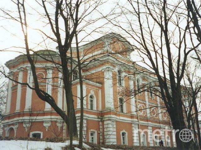 http://pustin.spb.ru/index.php/fotogalereya/category/4-arkhitektura-i-priroda-monastyrya.