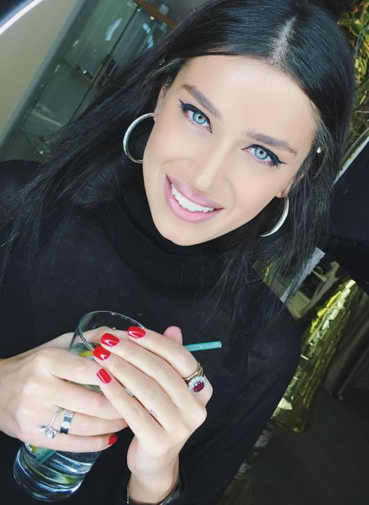Instagram Миранды Шелии.