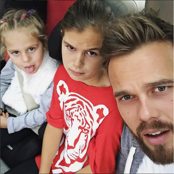 https://www.instagram.com/max_la/.