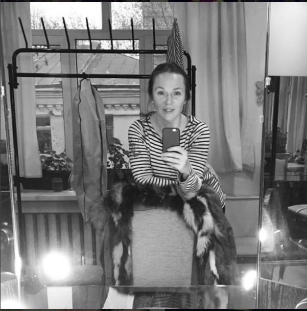 https://www.instagram.com/albinadzhanabaeva/.