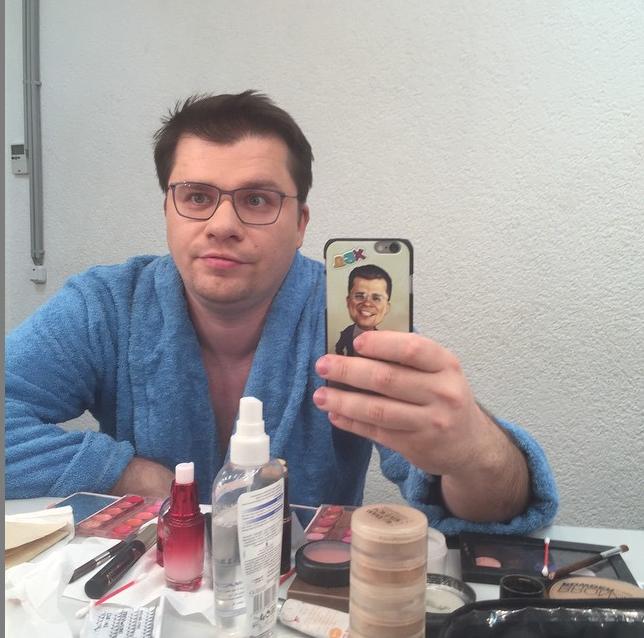 https://instagram.com/garikkharlamov/.
