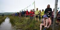 В Британии прошёл чемпионат по плаванию в болоте с маской и трубкой