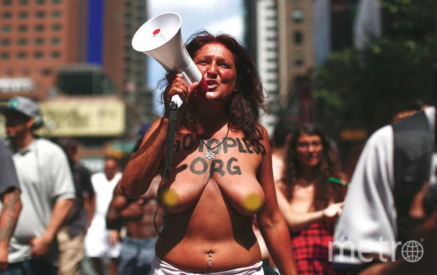 topless-women-of-manhattan-daisly-nude-mature