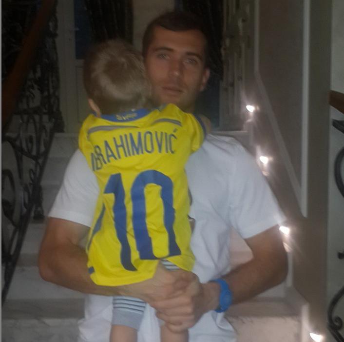 https://instagram.com/a.kerzhakov11/.