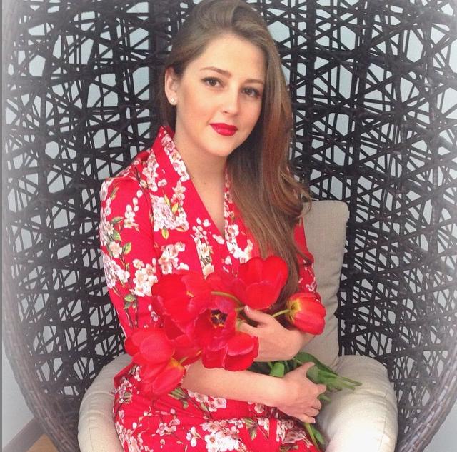https://instagram.com/p/5M3R1gxAyJ/?taken-by=anna_mihailovskaya.