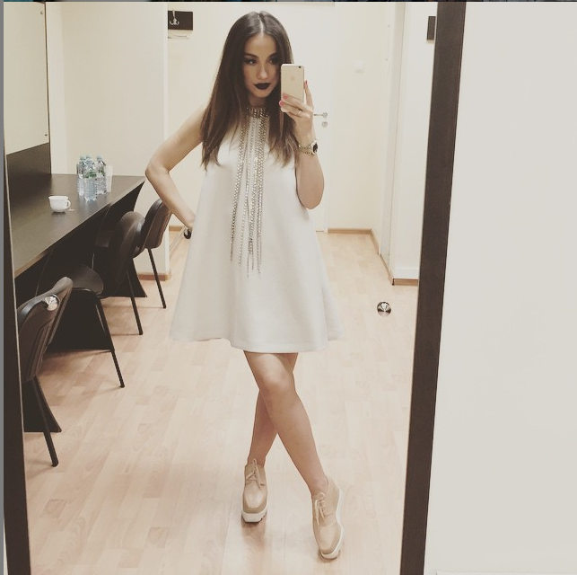 https://instagram.com/p/4wo9mUMQFa/?taken-by=victoriadaineko.
