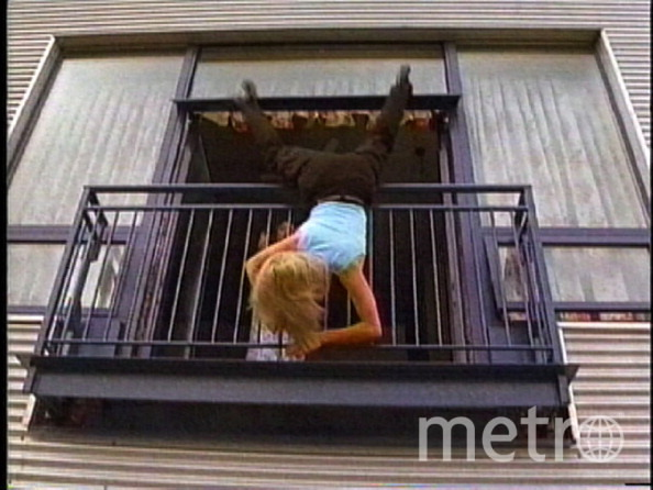 имеет падения с балкона фото стильные