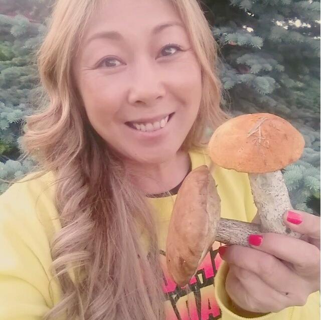 https://instagram.com/p/3wX_msOSzp/?taken-by=anitatsoy.