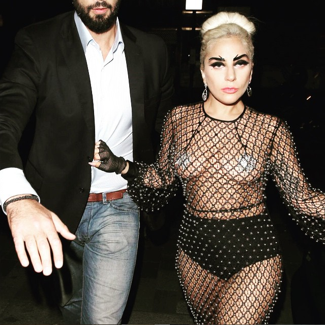 https://instagram.com/p/3NBIM1pFKI/?taken-by=ladygaga.