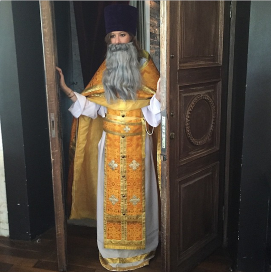 https://instagram.com/p/2GhRQICCFj/?taken-by=xenia_sobchak.