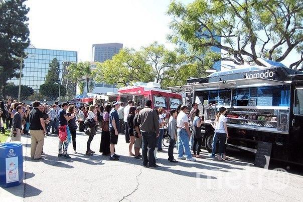 http://vk.com/foodtruckfest.