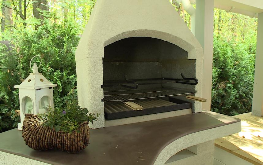 Террасу на даче Алисы Фрейндлих построили за два месяца / фото: скриншот передачи «Идеальный ремонт».