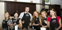 Газета Metro организовала для клиентов мастер-класс в кулинарной студии Юлии Высоцкой