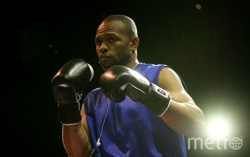 a biography of the boxer roy jones jr The roy jones jr biography roy levesta jones jr was born january 16th 1969 in pensacola, florida roy jones jr is a boxer, rapper and actor.