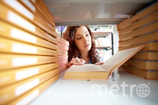 """В библиотеках на книгах для взрослых могут написать """"18 ..."""