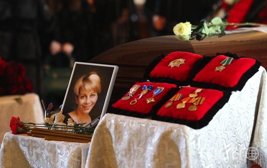 """Прощание с Елизаветой Глинкой. Фото Василий Кузьмичёнок, """"Metro"""""""
