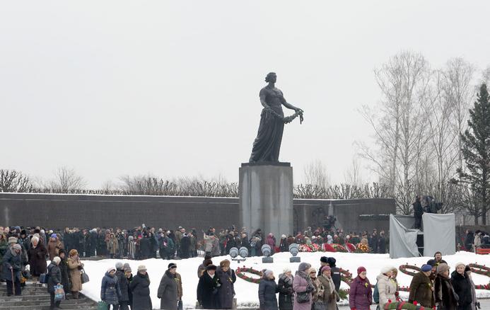 В Петербурге прошли памятные мероприятия в честь 73 годовщины снятия блокады. Фото Администрация Калининского района