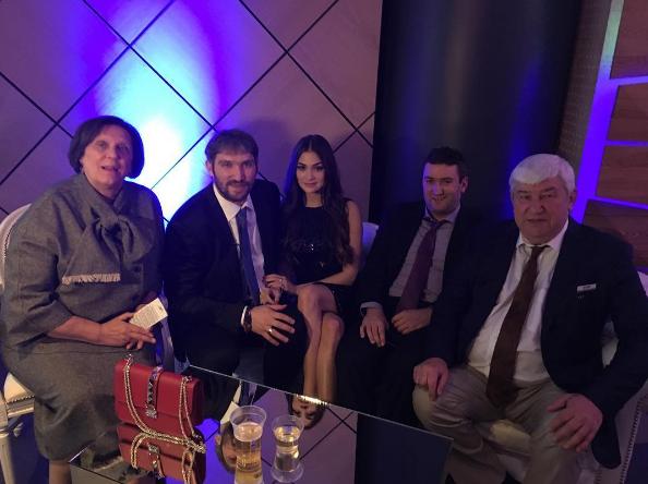 Александр Овечкин с семьёй. Фото Instagram/nastyashubskaya