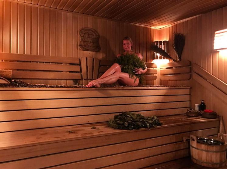 Анастасия Волочкова предстала абсолютно голой в Instagram. Фото Instagram/volochkova_art