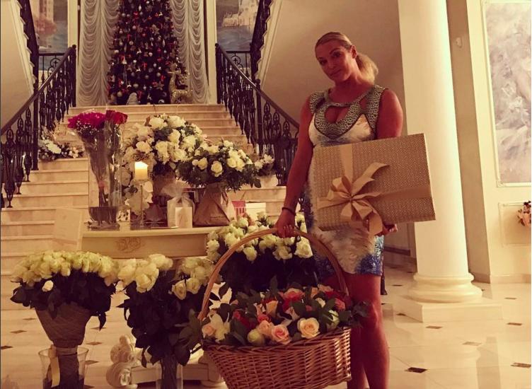 Анастасия Волочкова с дочерью Ариадной. Фото Instagram/volochkova_art