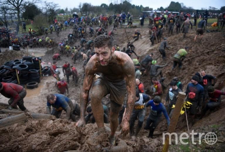 """Самые опасные соревнования в мире """"Tough Guy-2016"""". Фото AFP"""