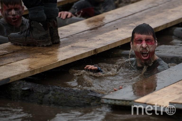 """Участник соревнований """"Tough Guy-2016"""". Фото AFP"""