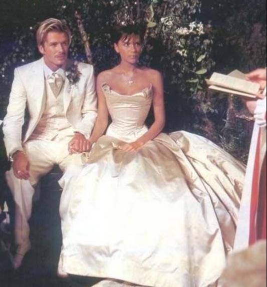 Фотография со свадьбы Виктории и Дэвида в 1999 году. Фото instagram/davidbeckham