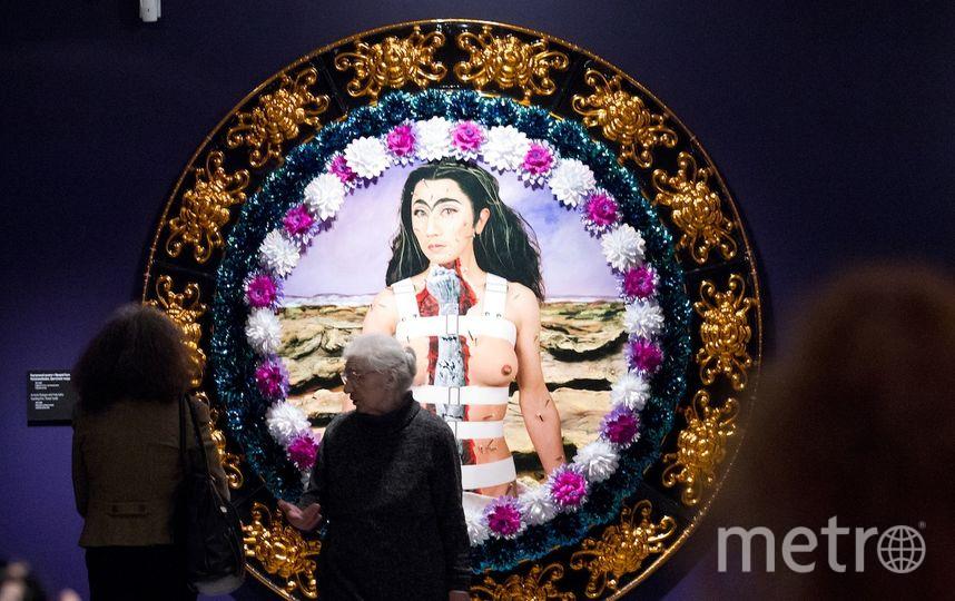 """Изображая Фриду Кало, художник примерил парик и сросшиеся брови. Фото Василий Кузьмичёнок, """"Metro"""""""