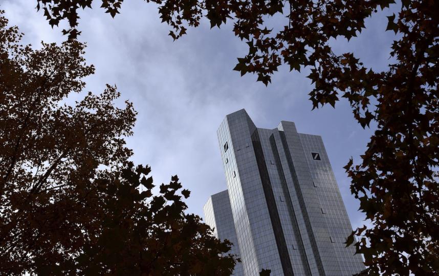 Схема такая: клиенты Deutsche Bank могли скупать ценные бумаги за рубли в Москве и оперативно сбывать их в иностранной валюте в Лондоне. Фото Getty