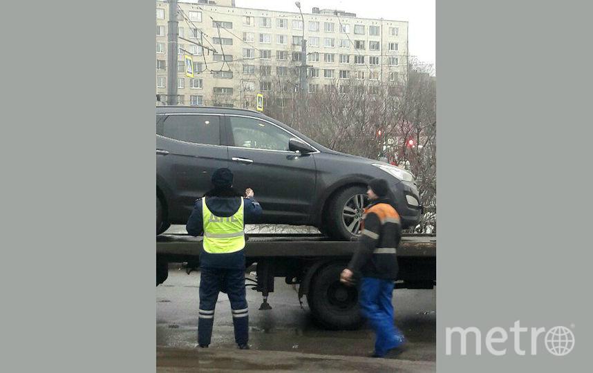 На проспекте Большевиков. Фото vk.com/spb_today