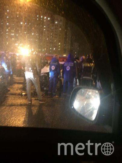 Серьезная авария произошла вечером 31 января в Петербурге на Индустриальном проспекте. Фото ДТП/ЧП - все