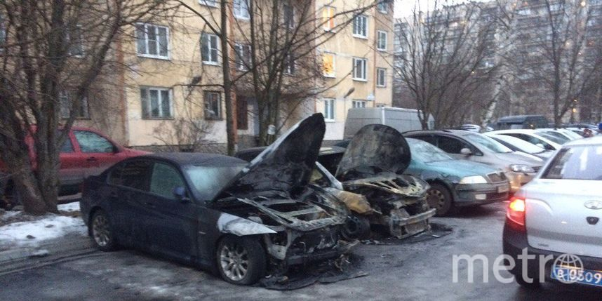 Напроспекте Энтузиастов тушили сразу три автомобиля