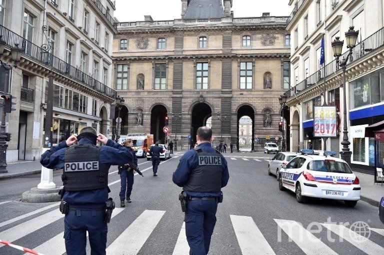 Полиция осматривает место происшествия. Фото AFP
