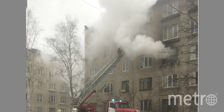 Мужчину спасли пожарные изгорящей квартиры наНародной